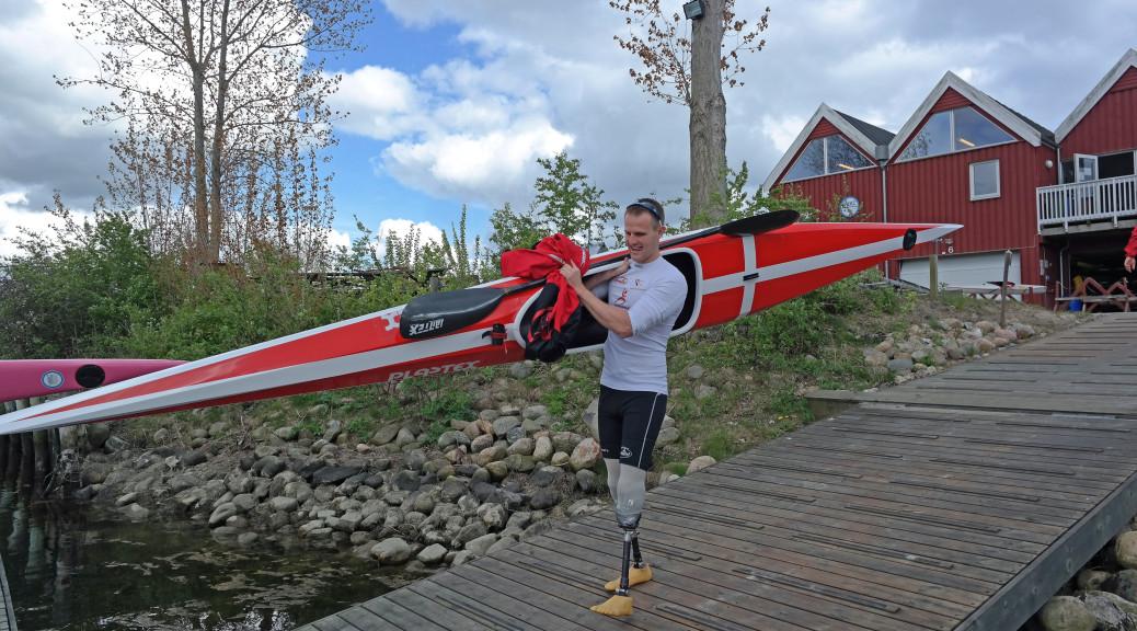 Kasper S. Thomsen med sin specialtilpassede kajak